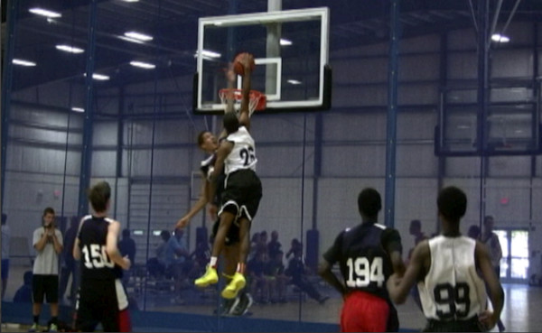 MCLEAN UNSTOPPABLE AT ELITE 75